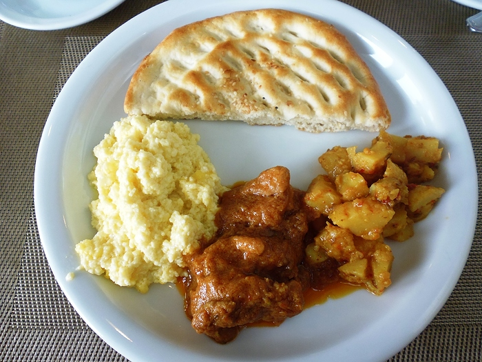 004 Eggs-Chicken Masala-Aloo Bhujia