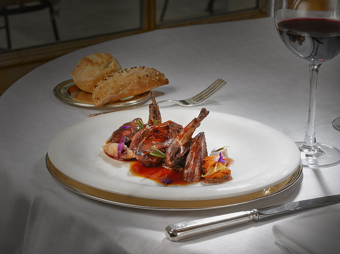 AUGUSTCOQUEMARIO005-Restaurante-Orfila