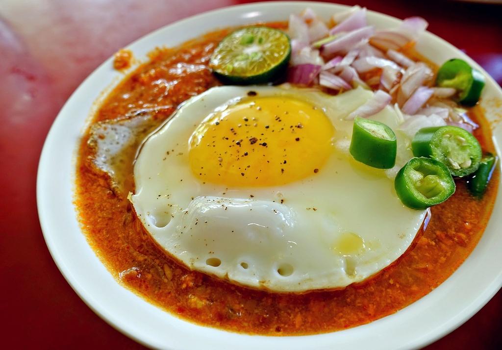 [Penang] Nazzeera's Roti Bakar Kacang Phool at Tanjung Tokong - Asia Pacific - Hungry Onion