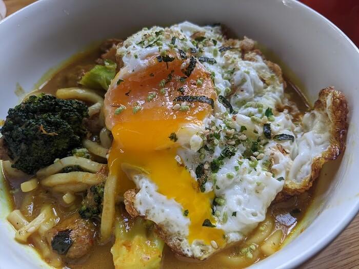 khao soi and egg