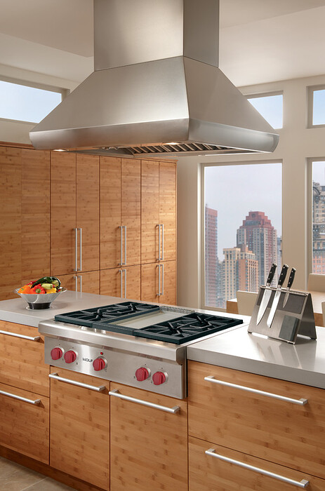 wolf-36-pro-style-gas-rangetop-stainless-steel-natural-gas-srt364g-universal-appliance-and-kitchen-center-img_75f1b56202fe72e0_9-9993-1-687ba0e