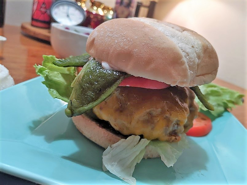cheeseburger%20with%20pasilla%20chile